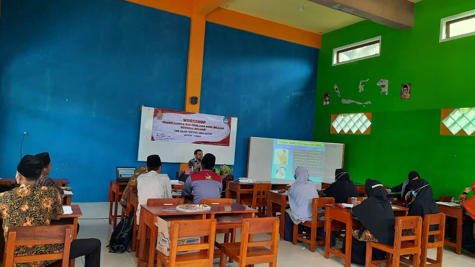Workshop Merdeka Belajar di SMK-IT